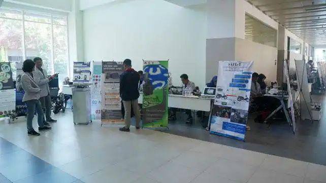 PENS Expo PKM Wadahi Kreativitas Mahasiswa