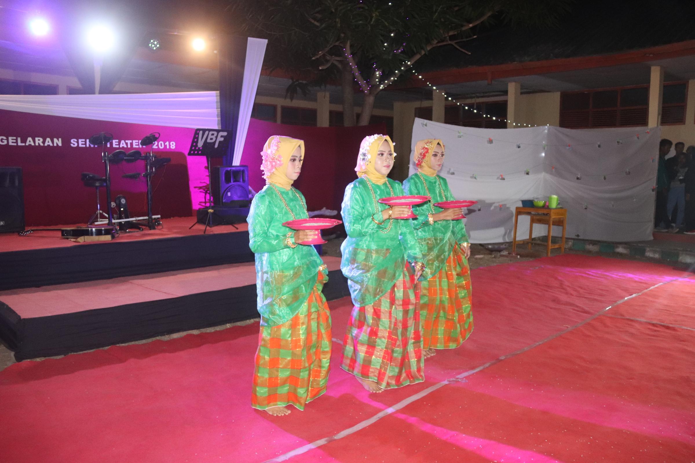 Wabup Apresiasi Pagelaran Seni Teater Mahasiswa Politeknik Negeri Bali