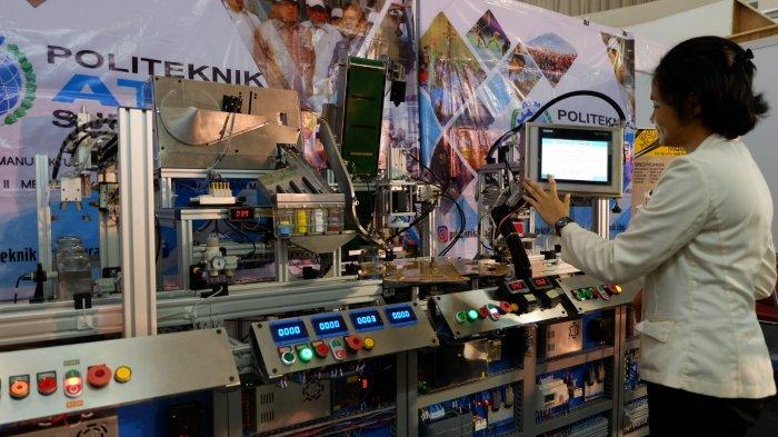 Politeknik Atmi Surakarta Pamerkan Handling System Training Unit di Manufacturing Expo Central Java