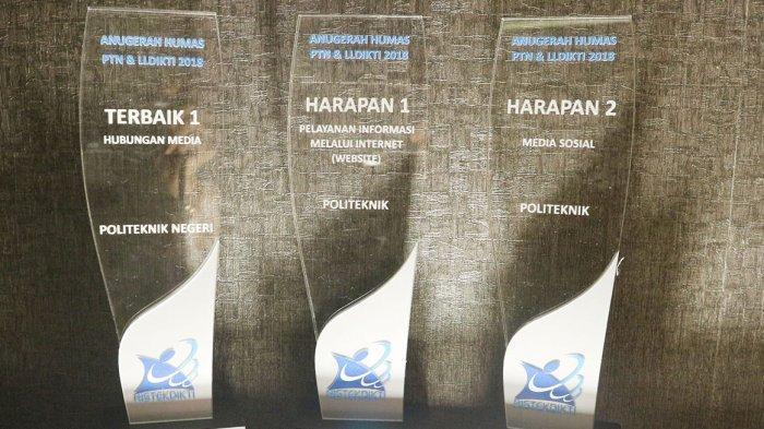 Humas PNUP Raih 3 Penghargaan dari Kemenristekdikti
