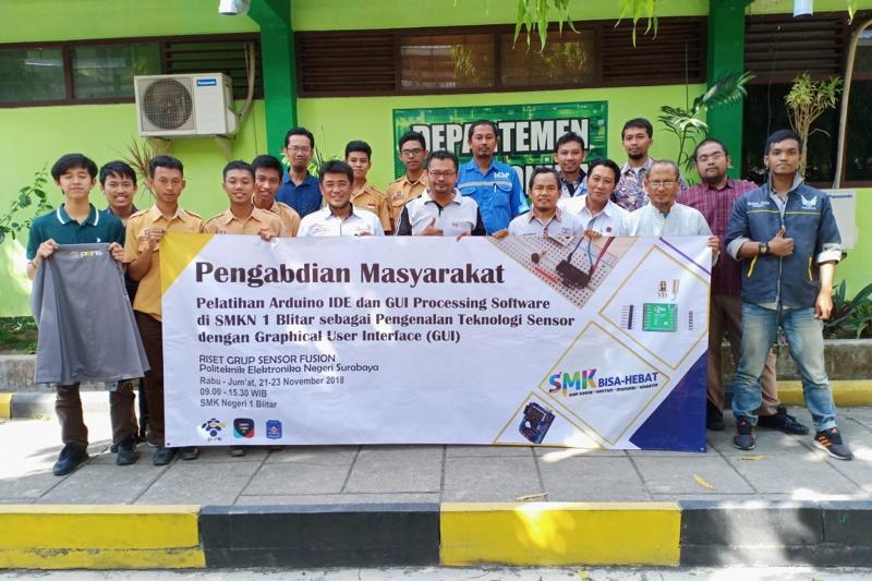 Bimbing Civitas Akademika SMK di Blitar, Riset Grup Sensor Fussion PENS Helat Pengabdian Masyarakat