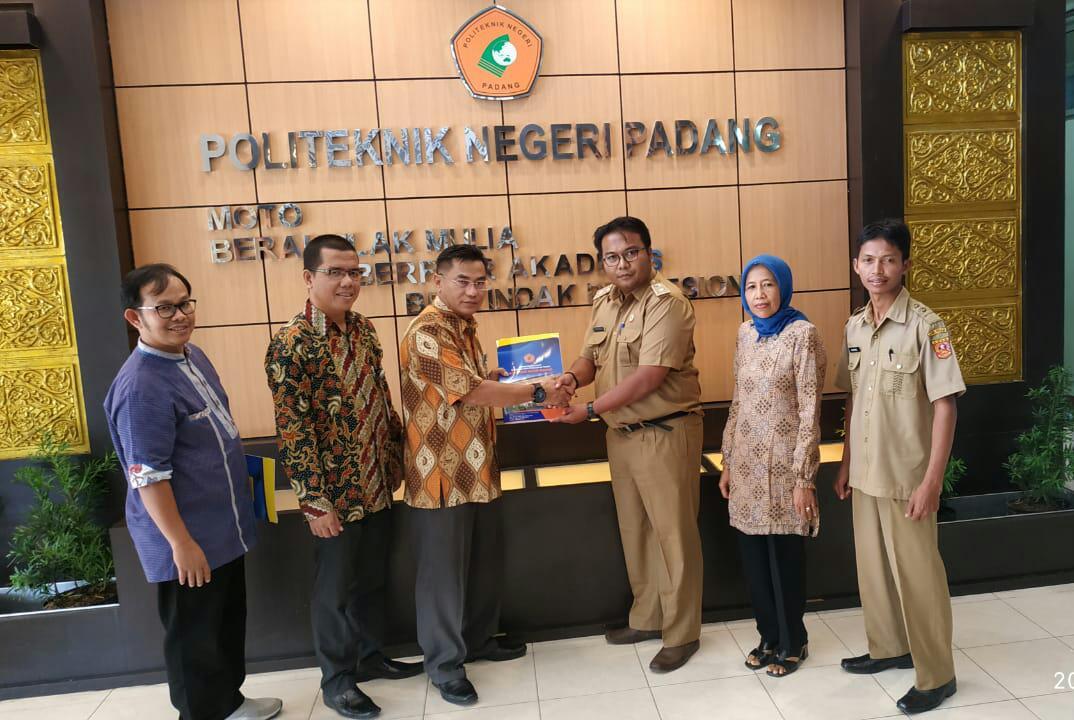 Nagari Panampuang Agam MoU Dengan Politeknik Negeri Padang