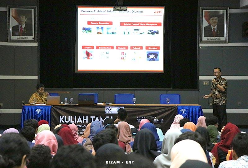 Hadirkan Dua Alumni sebagai Pembicara, Prodi Telkom PENS Gelar Kuliah Tamu