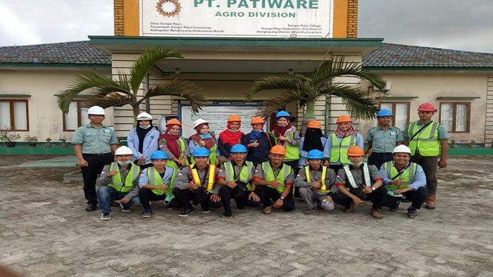 Kunjungan Industri Prodi Manajemen Perkebunan Politeknik Negeri Pontianak ke PT Patiware