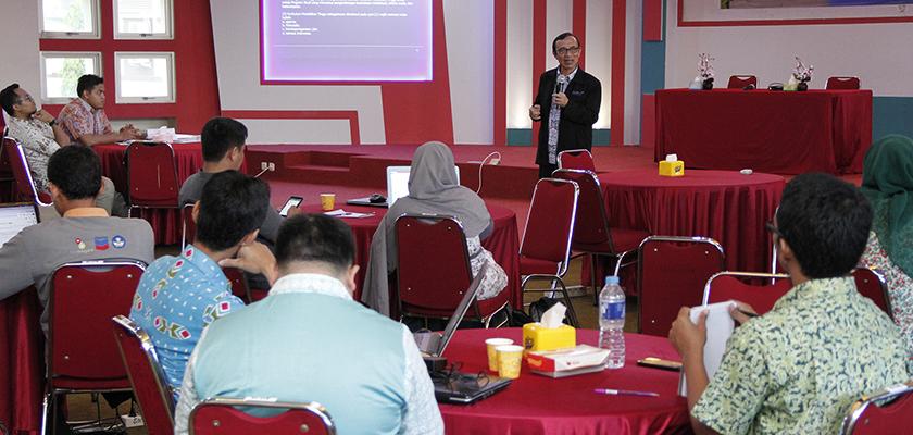 Guna Meningkatkan Kualitas Pengajaran, Tim Kurikulum Prodi Ikuti Workshop Kurikulum