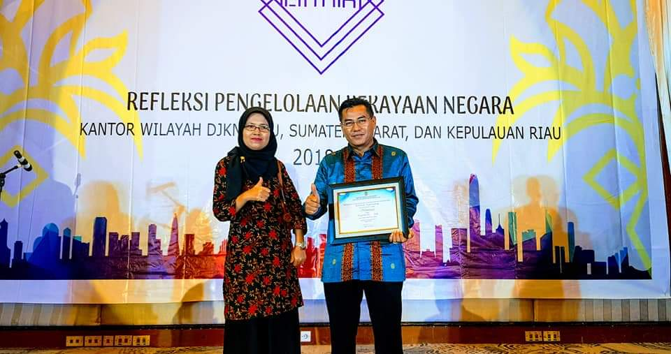 Politeknik Negeri Padang Terima Penghargaan Pengelolaan Aset Terbaik Barang Milik Negara