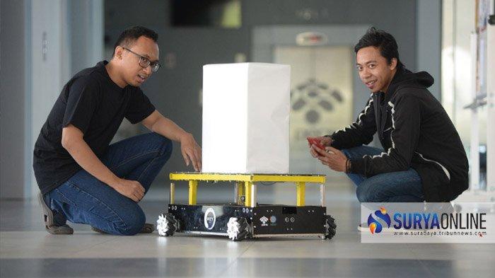 Robot Transporter PENS Bisa Bawa Beban 20 kg dengan Dua Metode Gerak