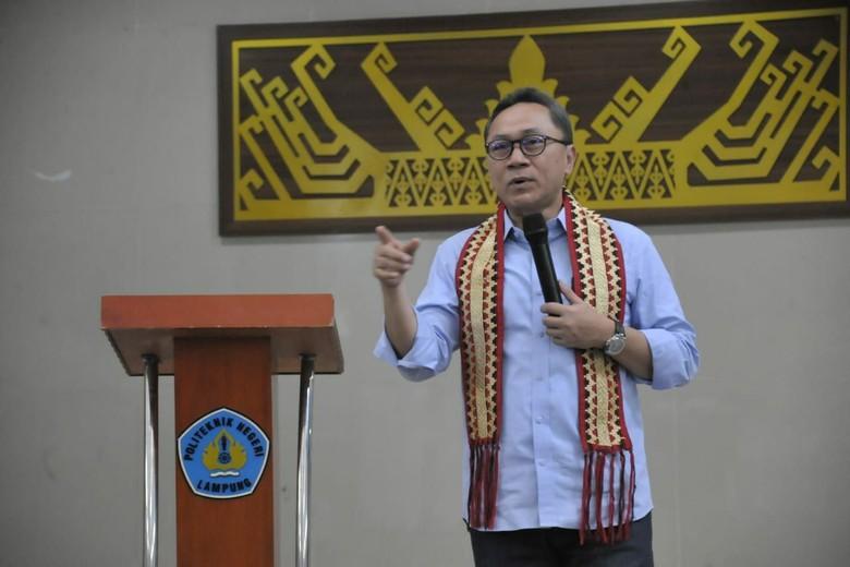 Zulkifli Hasan Jadi Motivator di Hadapan Mahasiswa Lampung