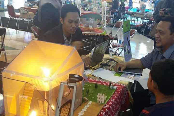 Polines Goes to Mall, Pamerkan Hasil Kreasi Inovasi Mahasiswa