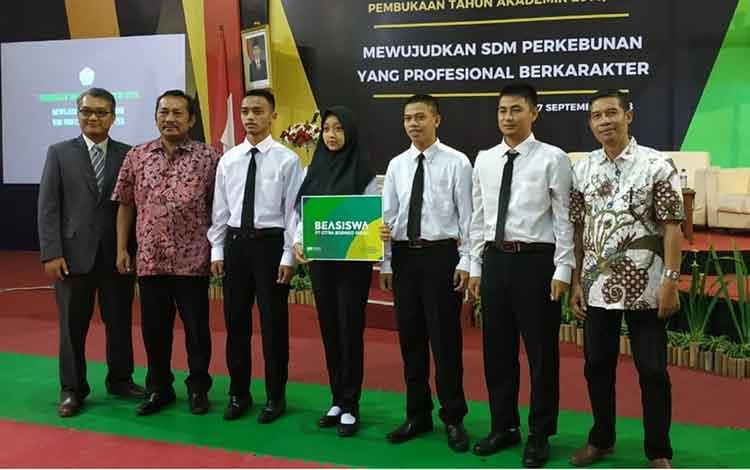 4 Penerima Beasiswa SSMS Ikuti Kuliah Umum di Politeknik LPP Yogyakarta