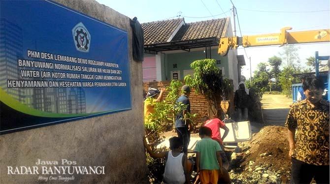 Poliwangi Perbaiki Fungsi Infrastruktur Drainase di Lemahbang Dewo