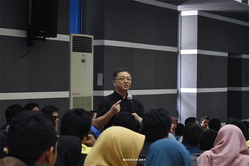 Perdalam Wawasan Mengenai Elektromagnetik, PENS Gelar Kuliah Tamu Distinguished Lecturer