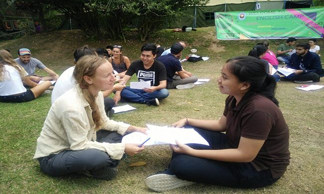 Lancar Berbahasa Inggris Melalui English Camp