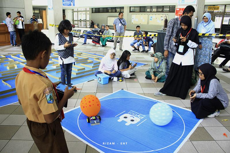 Berikan Edukasi Melalui Robot, PyBot PENS Helat Workshop dan Kompetisi Robot