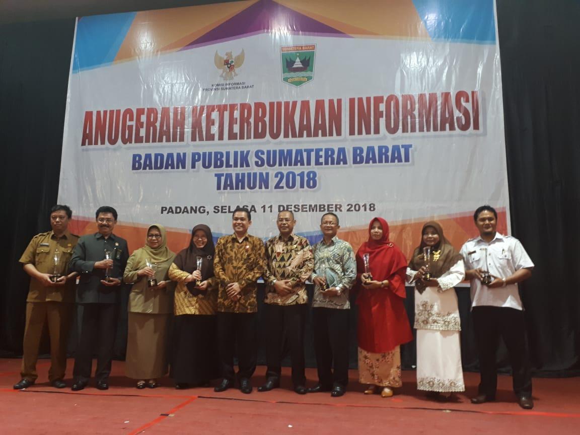 Politeknik Negeri Padang Raih Peringkat 3 Anugrah Keterbukaan Informasi Badan Publik 2018