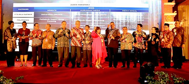 Poliwangi Sabet Anugerah Humas PTN dan LLDikti 2018