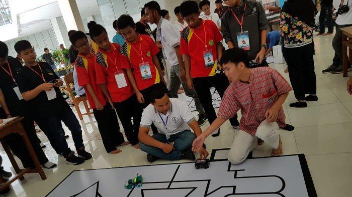 Lomba Robot sebagai Persiapan Revolusi Industri 4.0