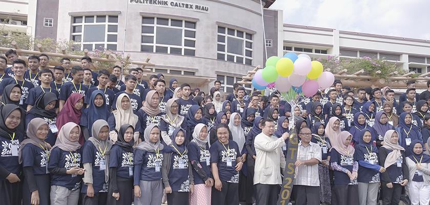 Manfaatkan Liburan Semester Ganjil, Ratusan Mahasiswa Mengikuti PCR Goes to School