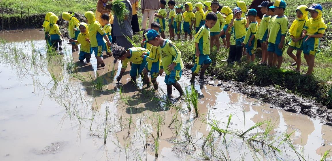 Polije Peduli Penyiapan Calon Petani Generasi Alpha